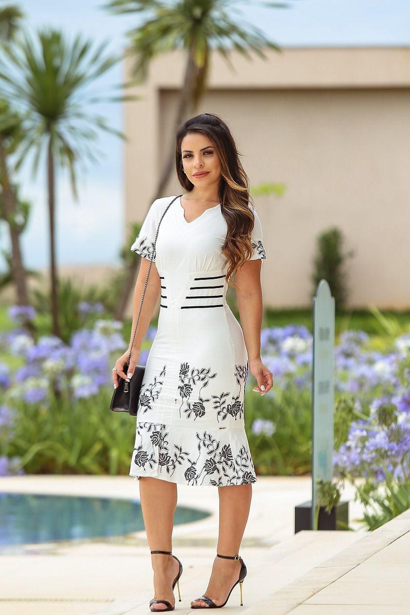Vestido em Linho Bordado com Forro Kauly 2438