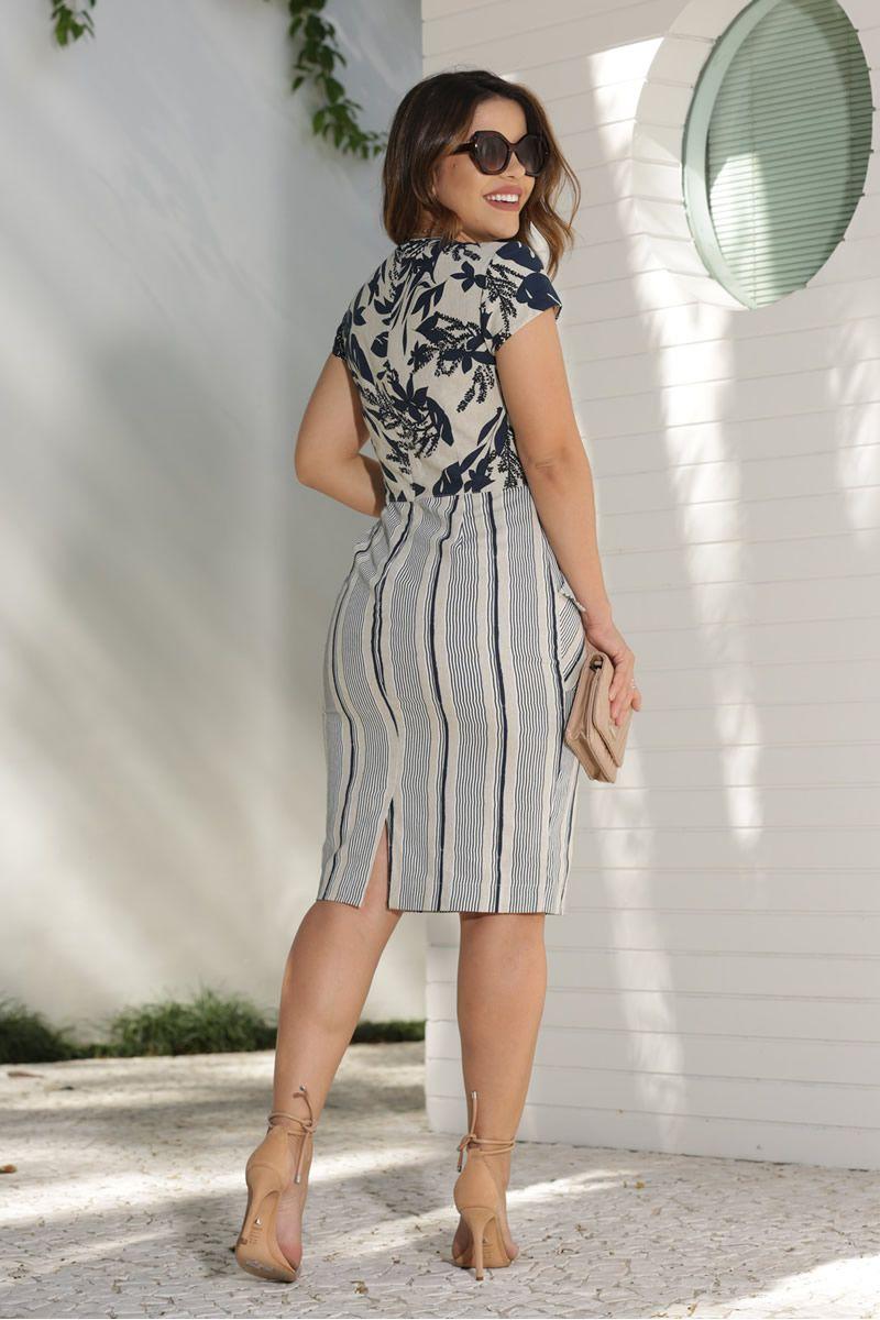 Vestido Linho Babado com Mix de Estampas Floral e Listras Kauly Moda Evangélica 2593