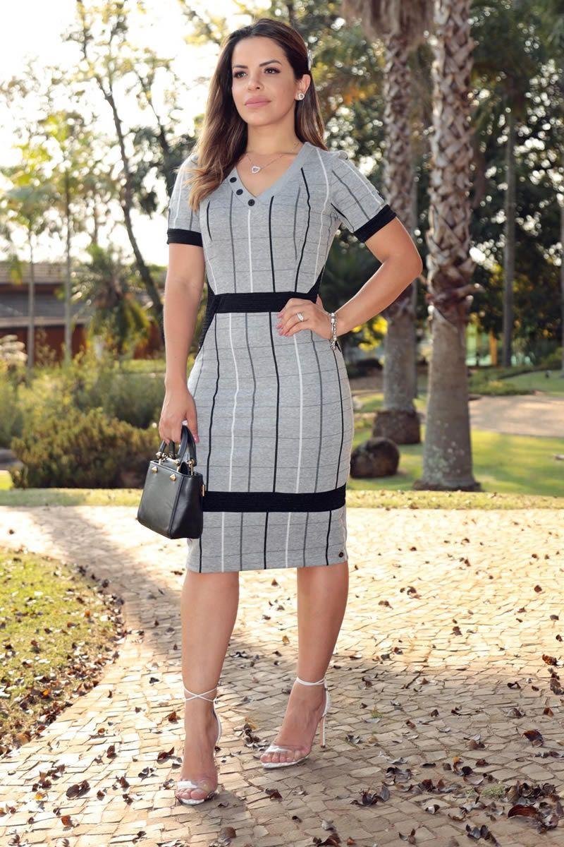 Vestido Montaria Xadrez com Recortes  Detalhes Botão Gola V com Forro Luciana Pais 92585