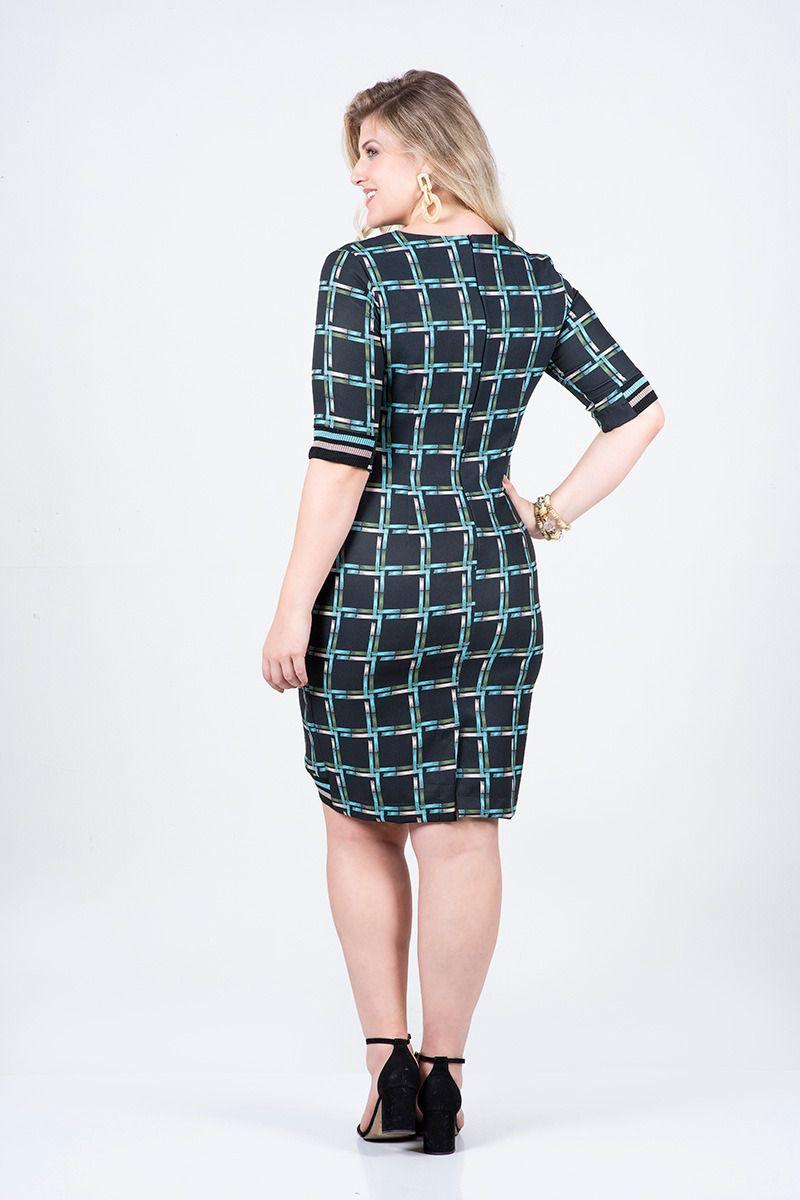 Vestido Plus Size Crepe com Elastano Detalhe Retilínea Kauly 2509