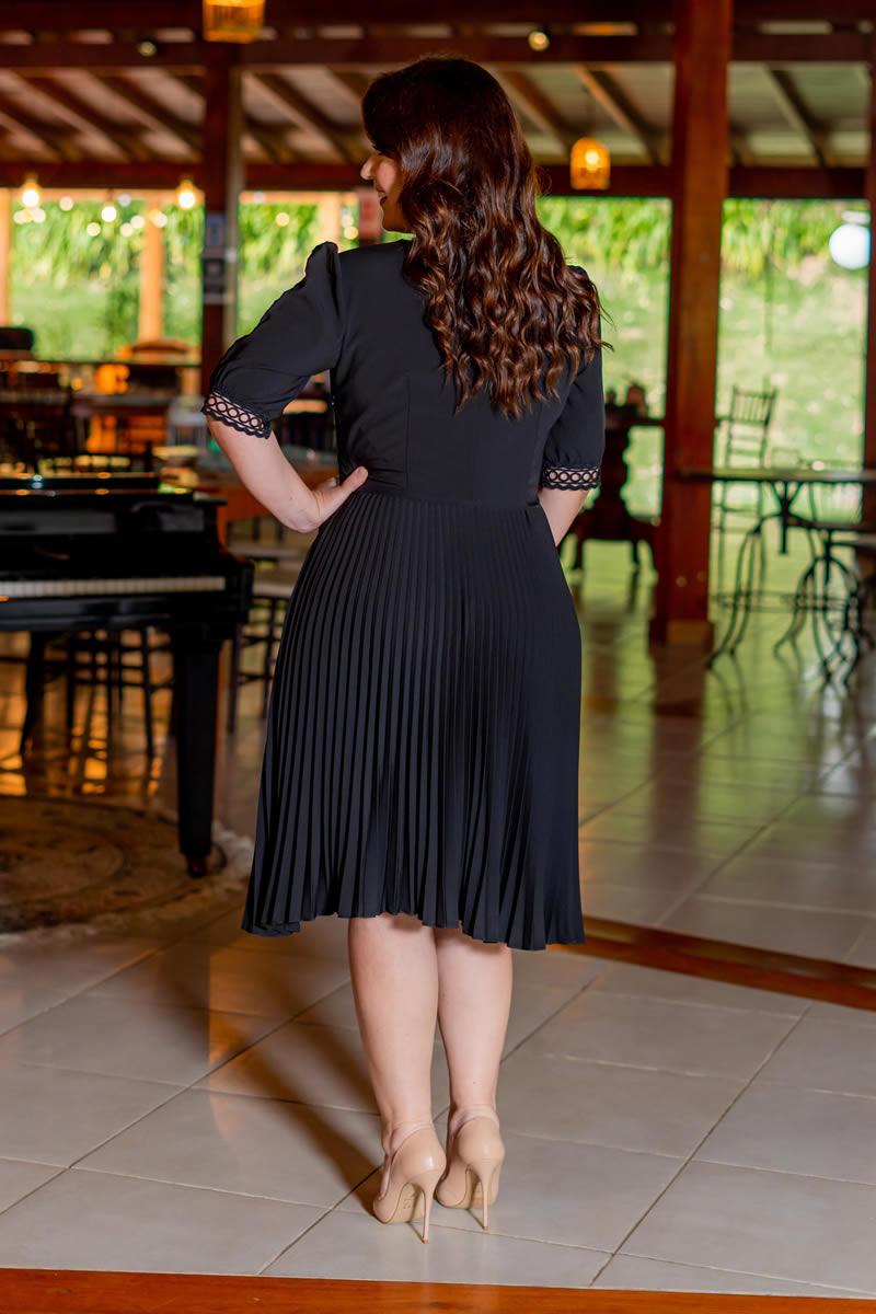 Vestido Plus Size Plissado preto Kauly Alfaiataria  Zíper na Lateral 3082