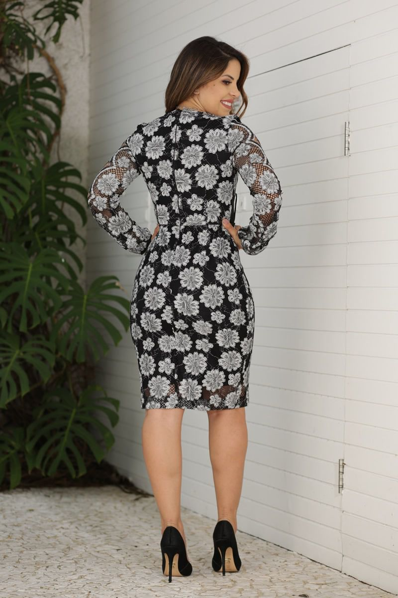 Vestido  Renda com Detalhes Vazados Kauly Moda Evangélica 2601