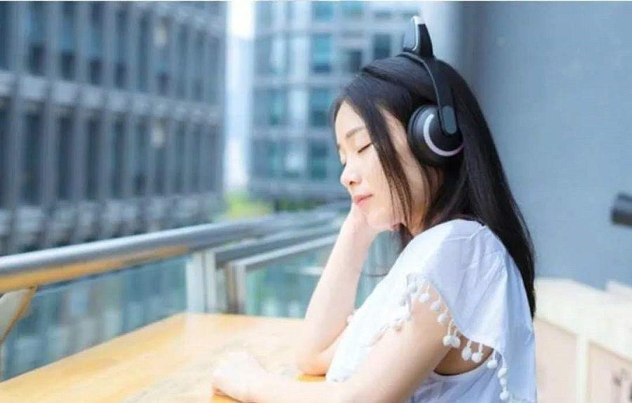 Fone De Ouvido C/ Microfone Orelha Gato Led  Bluetooth Headset Exbom