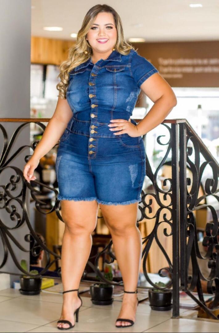 Macacão Feminino Jeans Plus Size Com Lycra Macaquinho