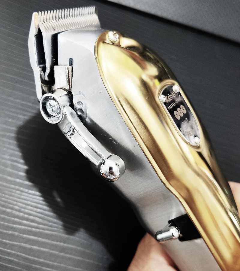 Maquina De Cortar Cabelo Profissional Kemei 134 10w Bivolt Sem Fio Dourada