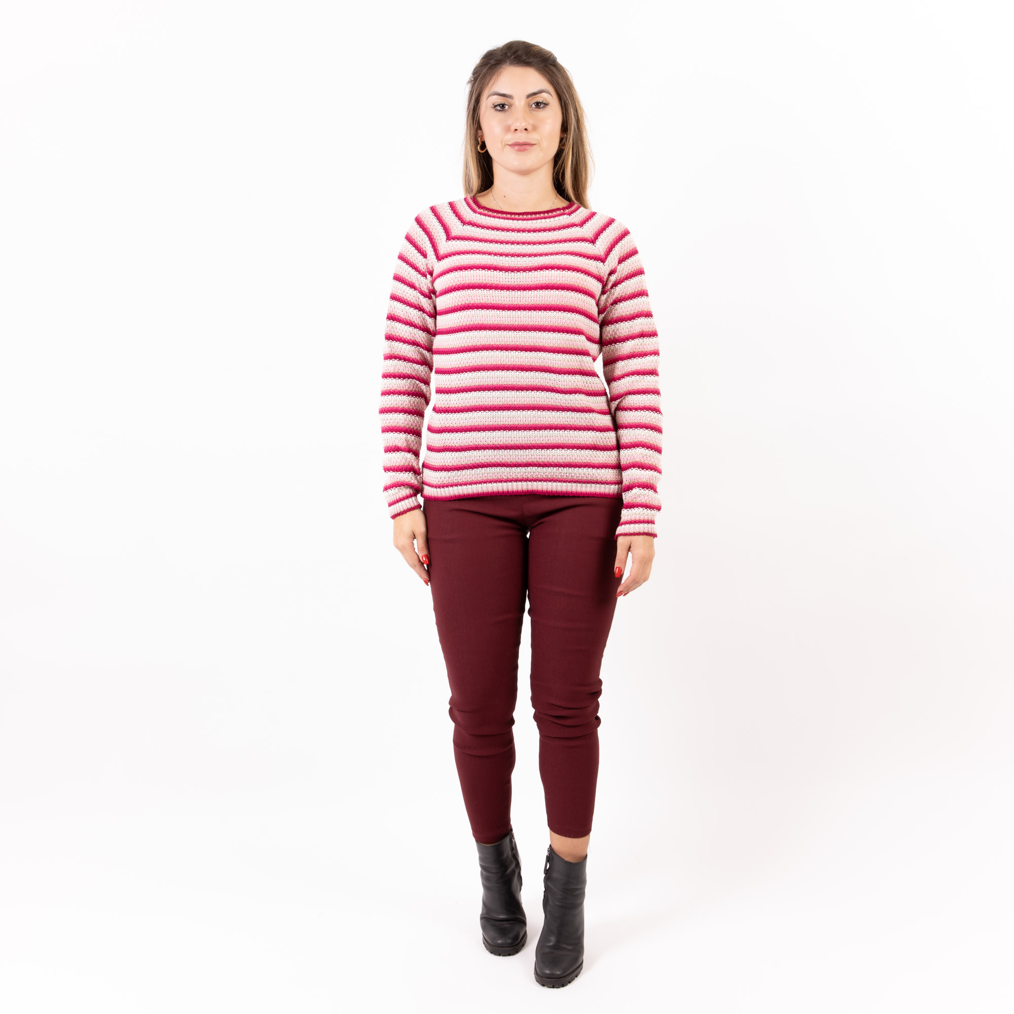 Blusa Tricot Listras Finas coloridas com Gola Canoa