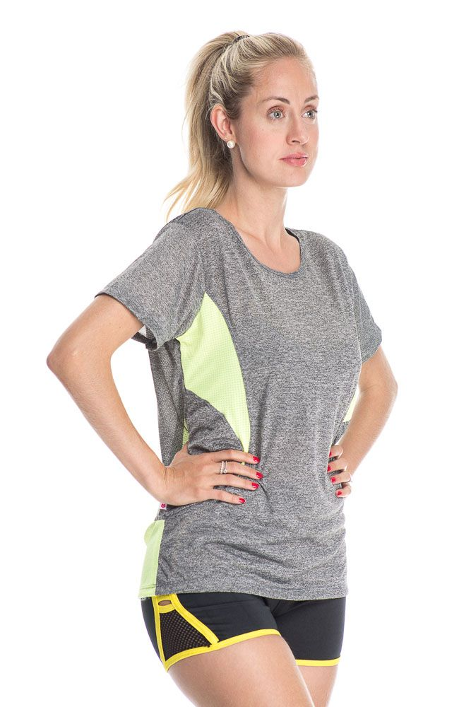 Camiseta Fitness Com Detalhe Nas Costas Verde