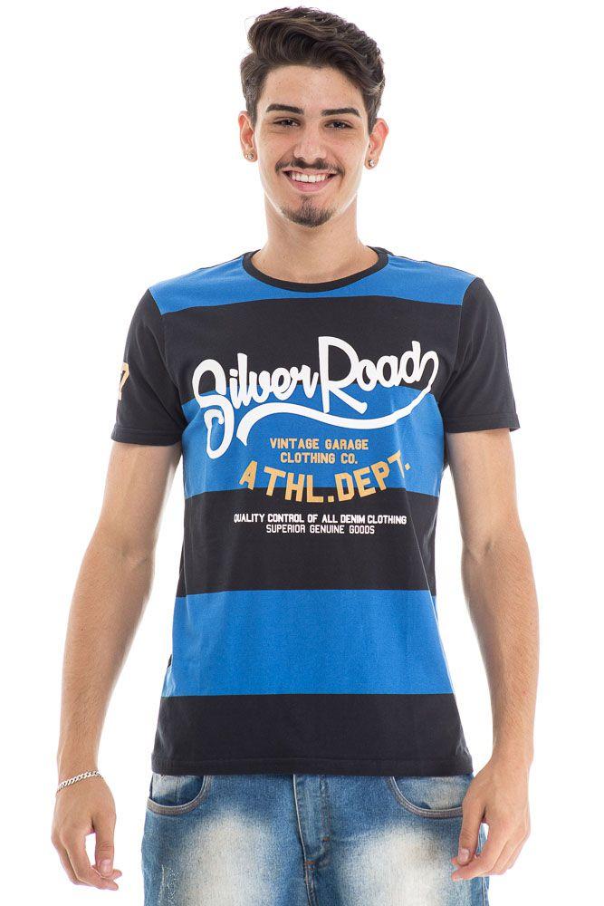 Camiseta listrada azul e preta com estampa frontal