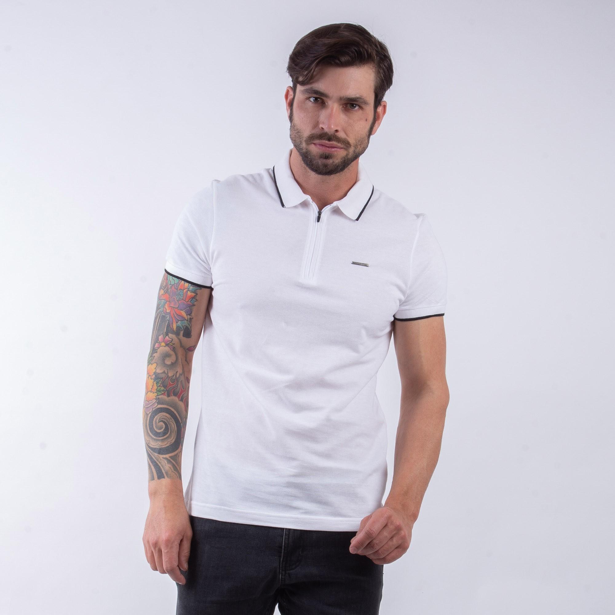 Camiseta Polo Masculina Com Detalhe Zíper