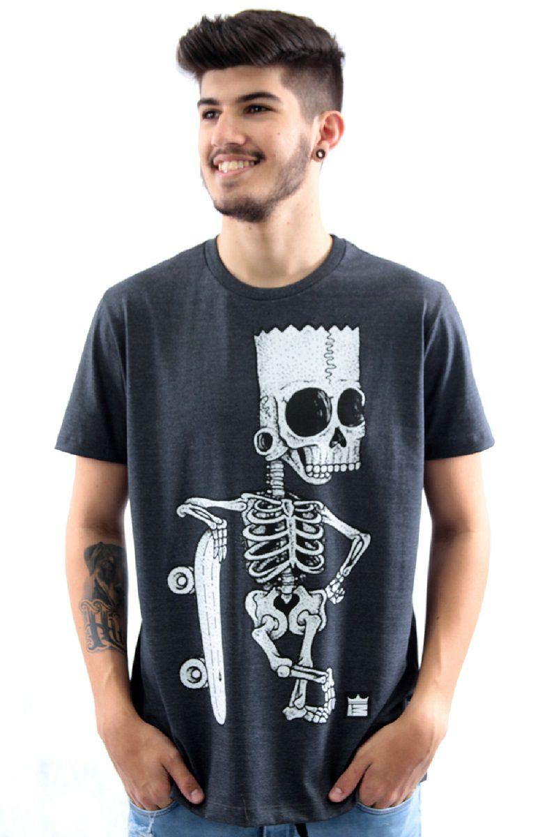 94554bf151948 Camiseta Manga Curta Estampa Bart Simpson Caveira Skate Arquitetura da Moda  Masculino