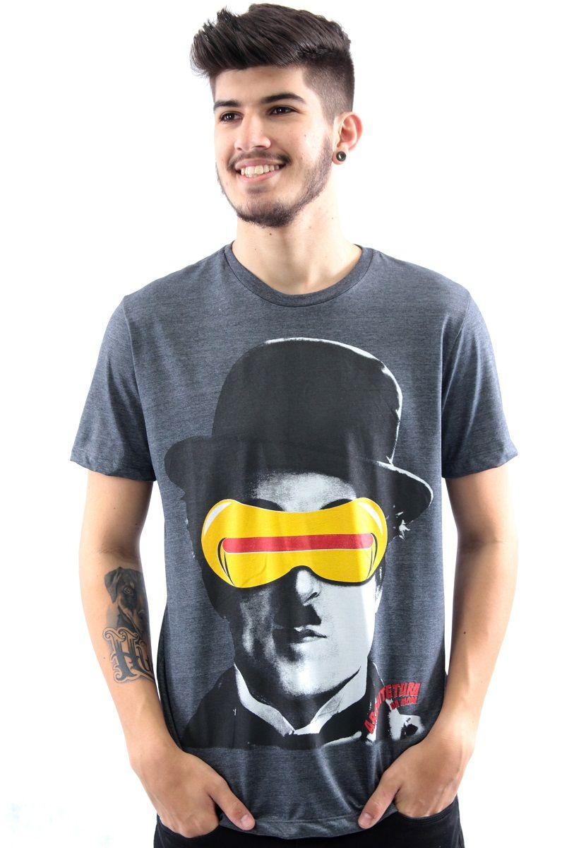 Camiseta Manga Curta Estampa Charlie Chaplin Ciclope Arquitetura da Moda  Masculino a94b6c6cbf7