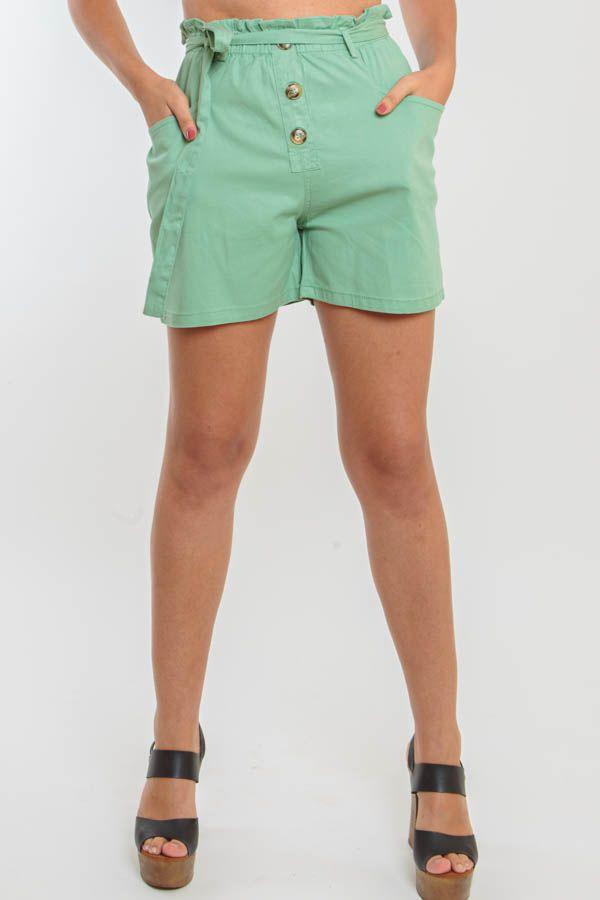 Short Curto Verde Claro Com Botões