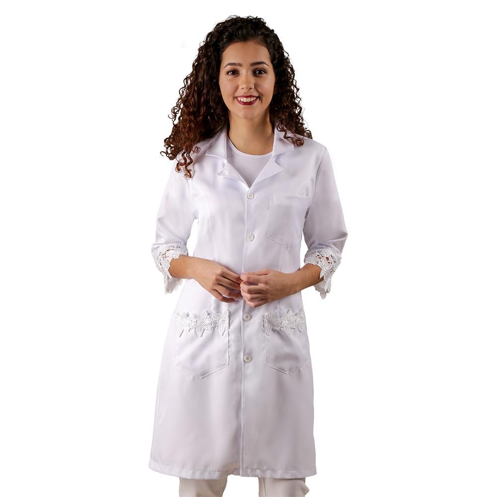Jaleco feminino Branco com Renda Guipir  Acinturado de manga três quartos