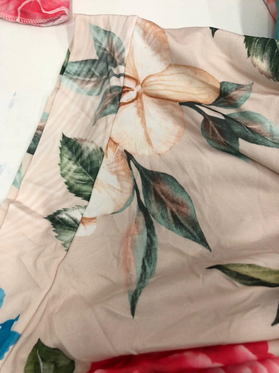 SALDO 519 Conjunto Liz Floral Nude Tam UNICO