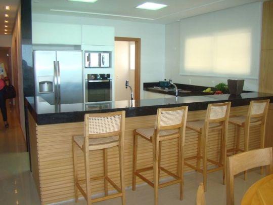 Banqueta Alta Para Bar De Demolição Modelo Palhinha - Em Madeira Selecionada