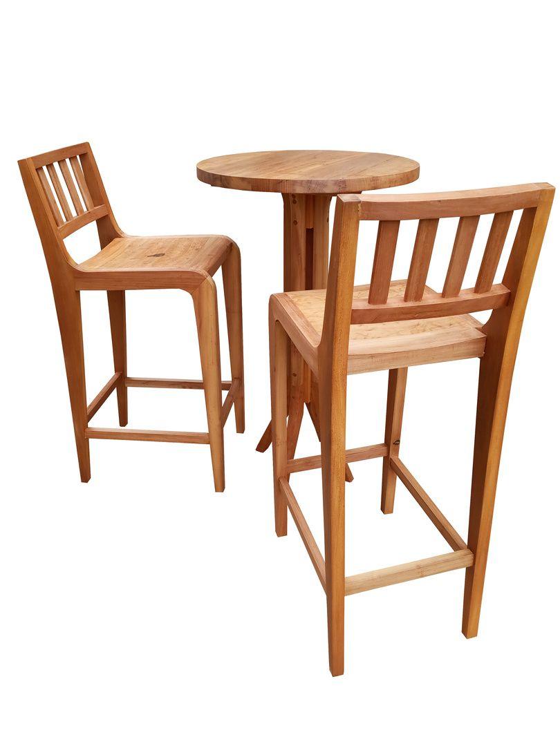 Conj. Mesa e Banquetas para Bar de Demolição - Uma Mesa e 02 Banquetas - Em Madeira Selecionada
