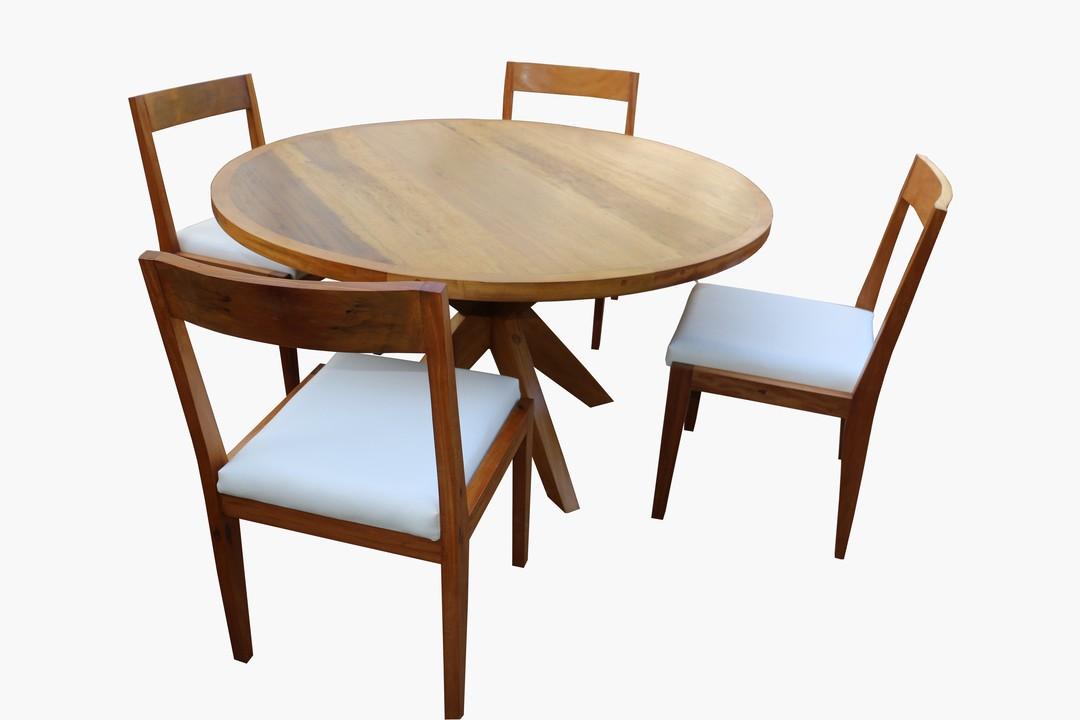Conjunto De Mesa de Jantar de Demolição Modelo Taboão - 1,40 Diâmetro X 76 alt. - E 04 Cadeiras de Demolição Modelo Olinda