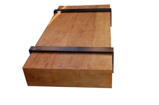 Mesa de Centro De Demolição Retangular Modelo Natal - 1,40 X 0,80 - Pés em ferro Maciço - Em Madeira Selecionada