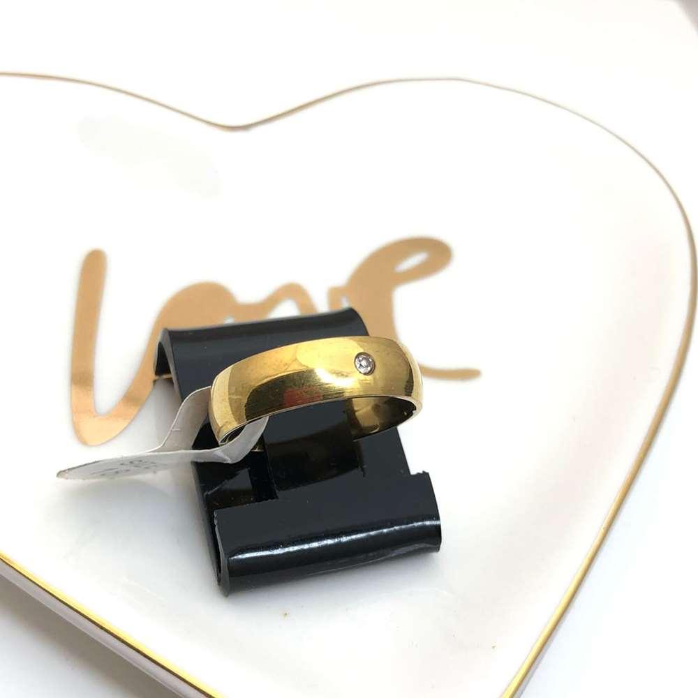 Anel aliança em aço inoxidável dourada 6mm com pedrinha