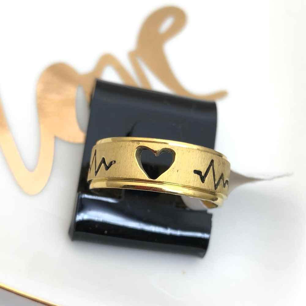 Anel aliança em aço inoxidável dourada 8mm coração e batimentos
