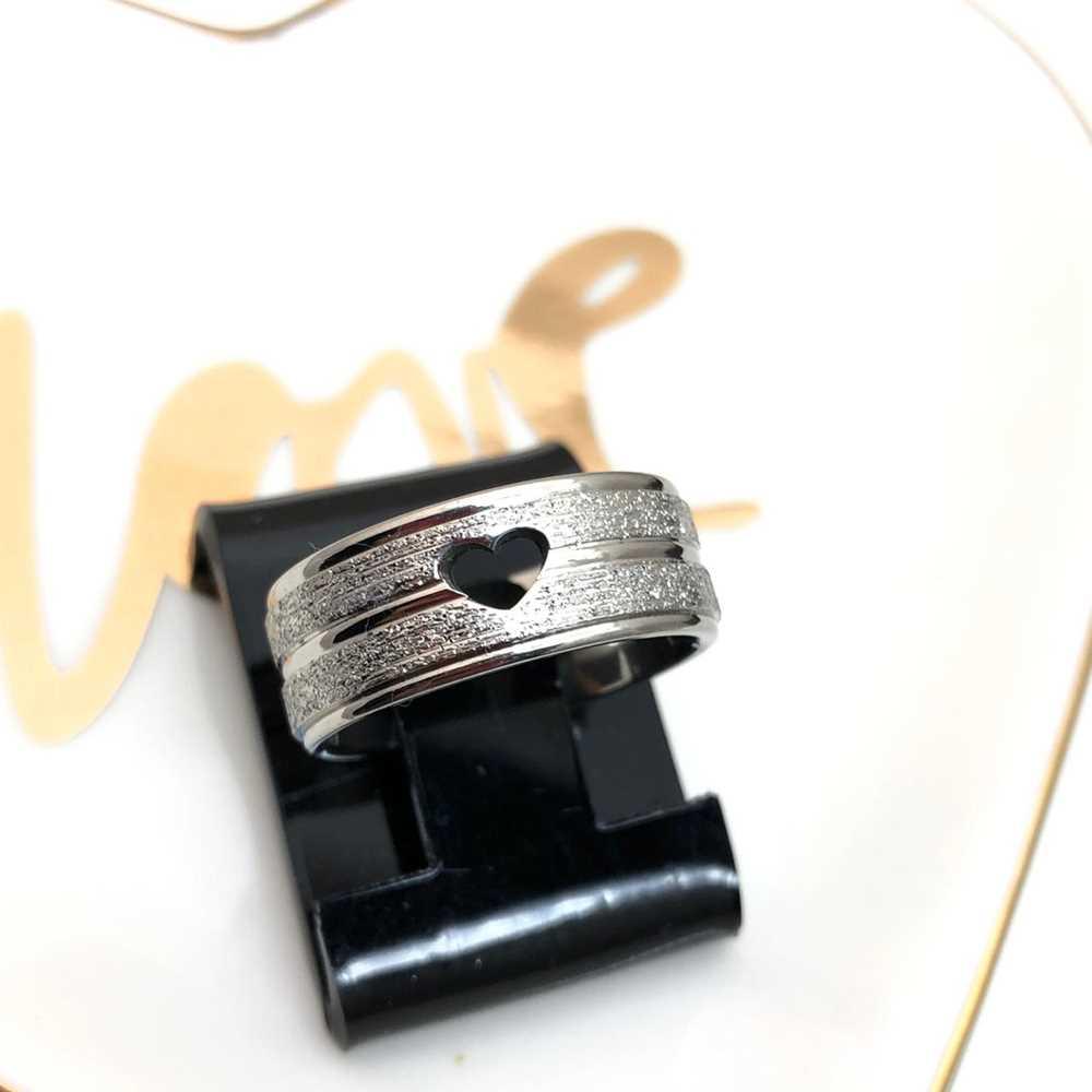 Anel aliança em aço inoxidável prata com coração 8mm