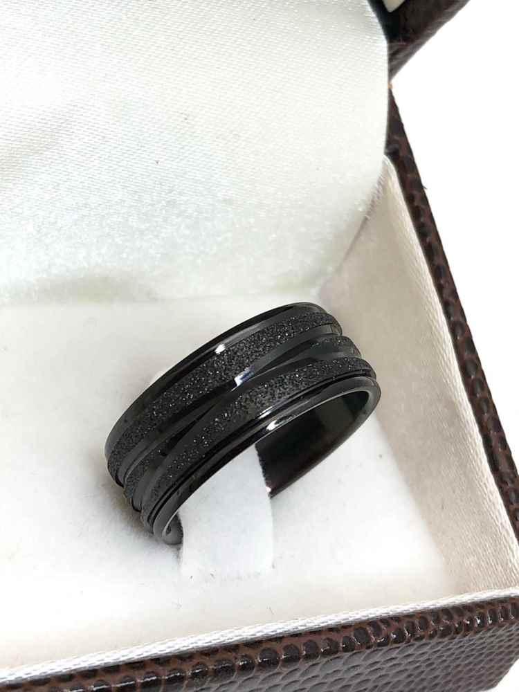 Anel aliança em aço inoxidável preta formato X 8mm