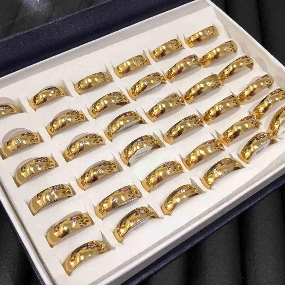 Anel alianças 6mm abaulada dourada lisa polida com pedrinha aço inoxidável 316L caixa com 36 unidades alianças atacado