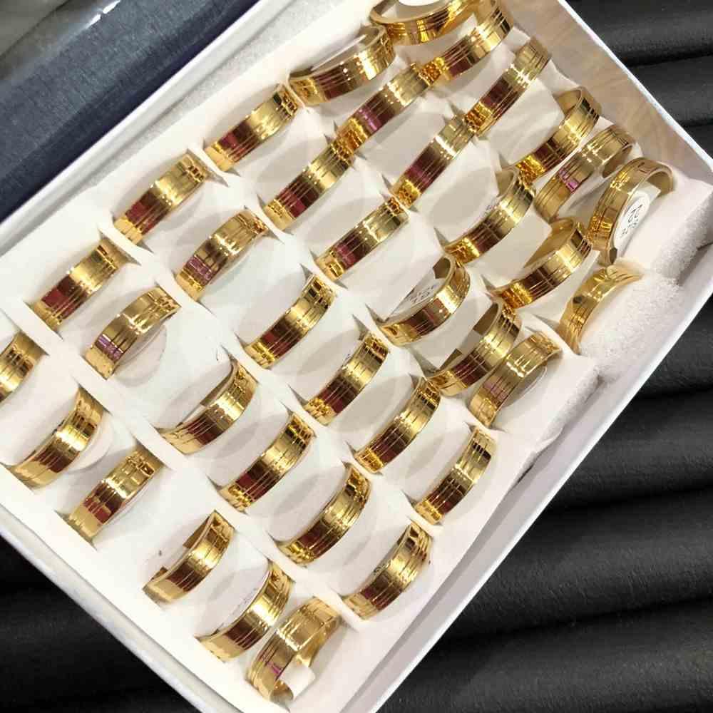 Anel alianças 6mm dourada lisa polida com dois frisos aço inoxidável 316L caixa com 36 unidades alianças atacado