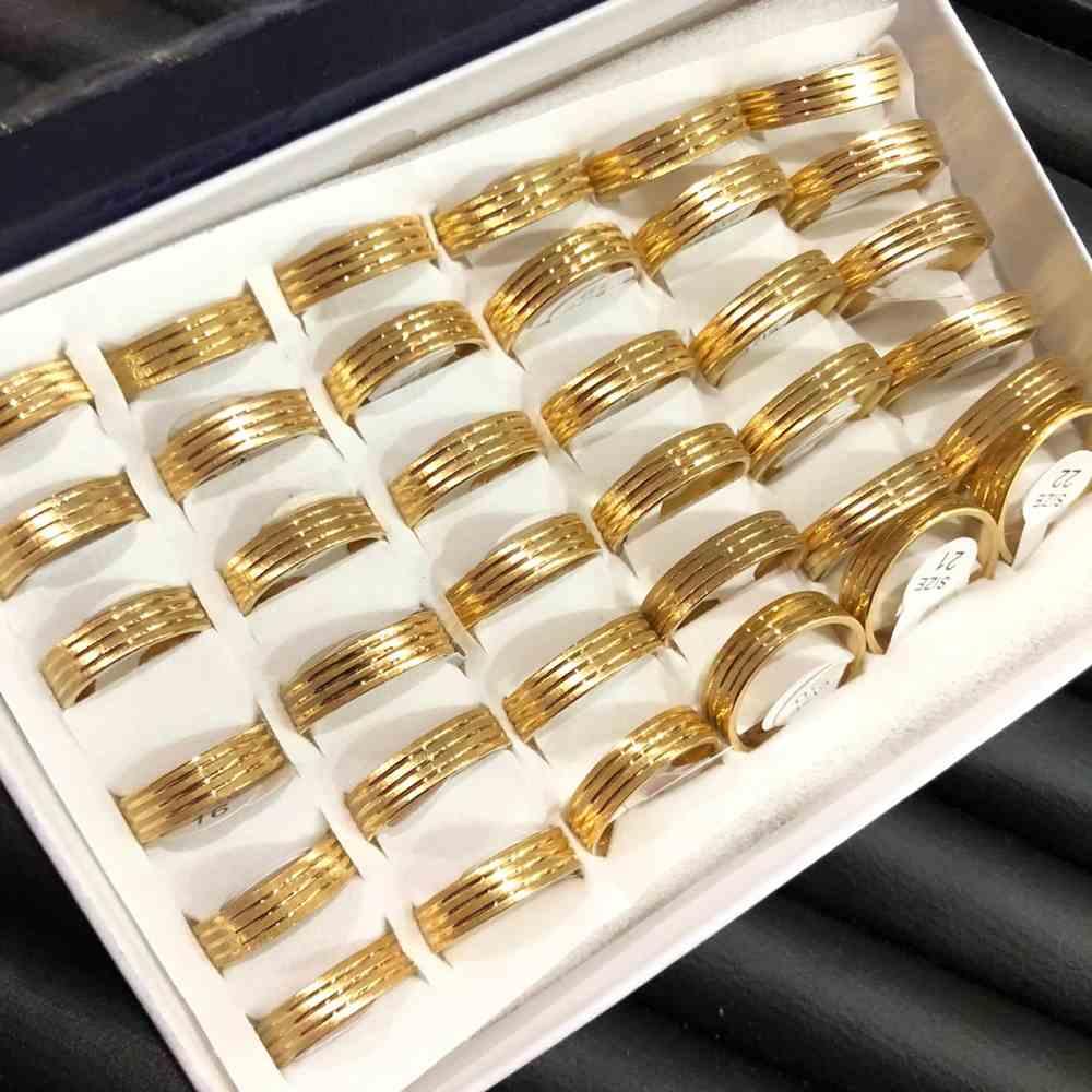 Anel alianças 6mm escovada dourada aço inoxidável 316L caixa com 36 unidades alianças atacado