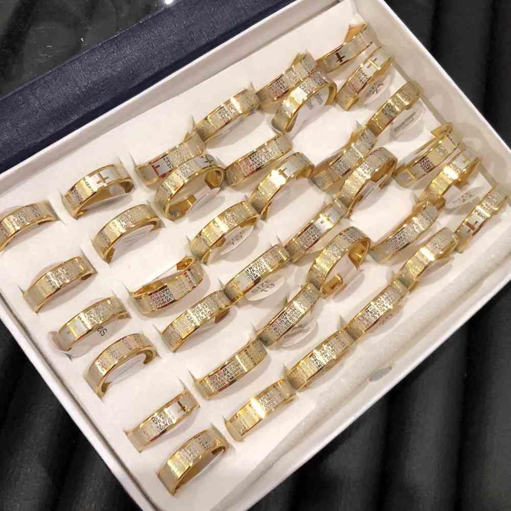 Anel alianças 6mm oração pai nosso dourada e prata aço inoxidável 316L caixa com 36 unidades alianças atacado