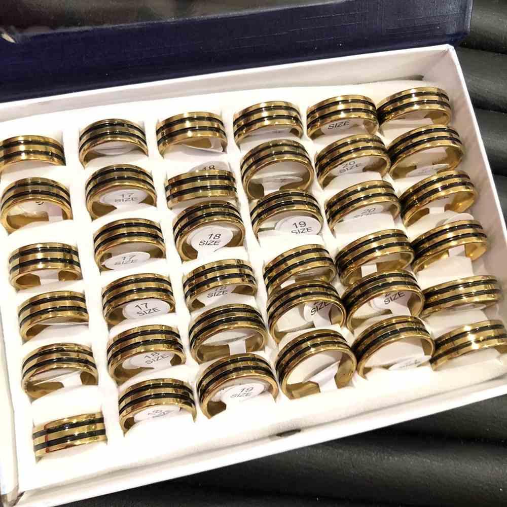 Anel alianças 8mm abaulada dourada com frisos preto aço inoxidável 316L caixa com 36 unidades alianças atacado