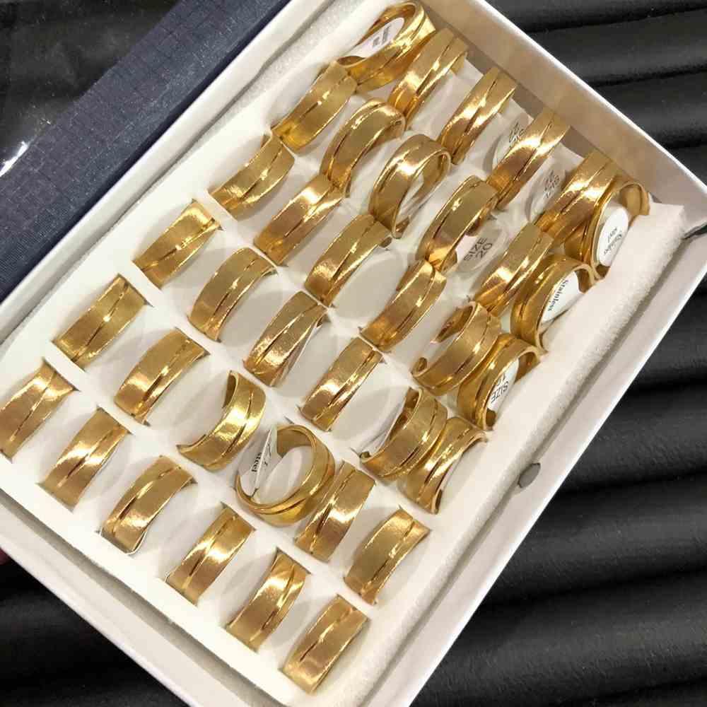 Anel alianças 8mm dourada escovada com friso transversal aço inoxidável 316L caixa com 36 unidades alianças atacado