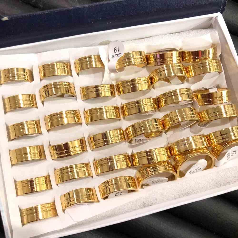 Anel alianças 8mm dourada lisa polida com dois frisos lareral aço inoxidável 316L caixa com 36 unidades alianças atacado
