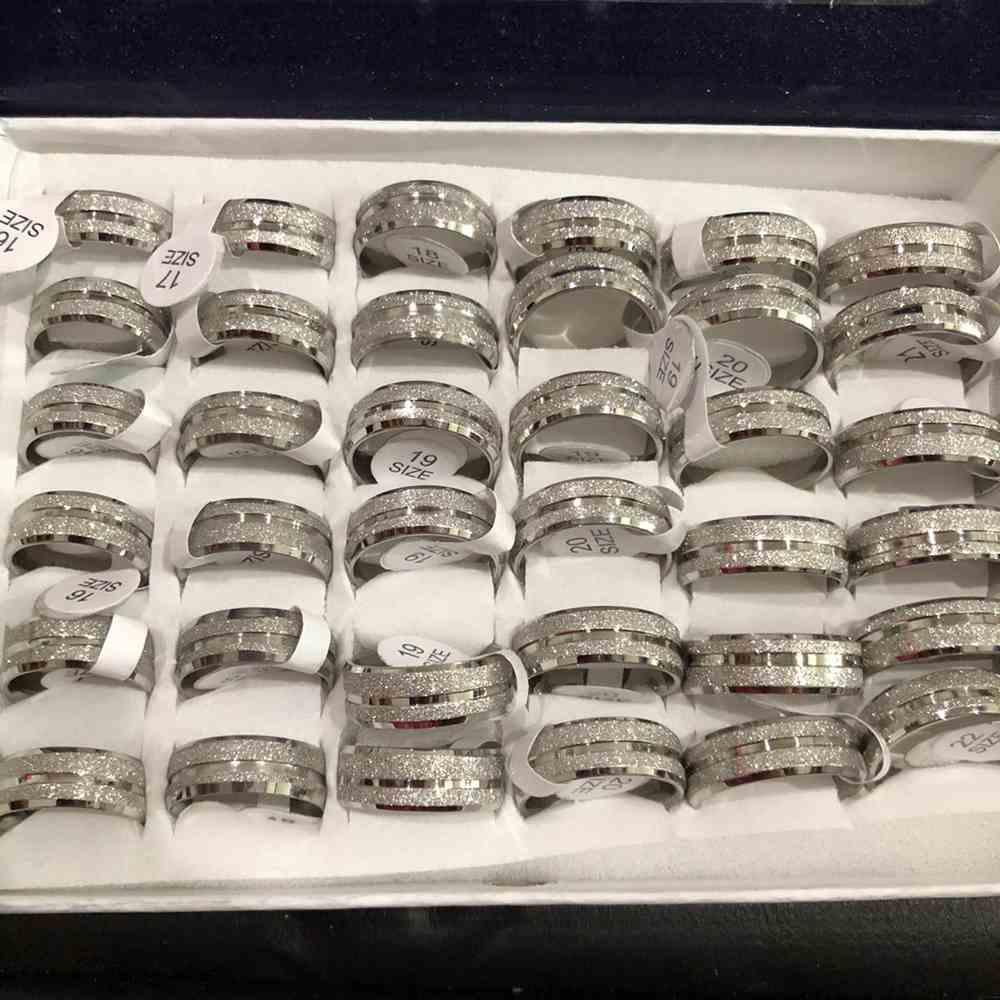 Anel alianças 8mm prata jateada com friso lateral aço inoxidável 316L caixa com 36 unidades alianças atacado