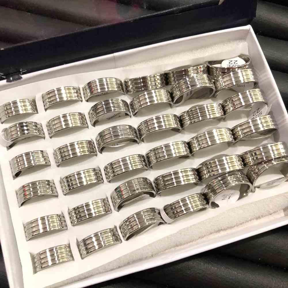Anel alianças 8mm prata lisa polida com frisos aço inoxidável 316L caixa com 36 unidades alianças atacado