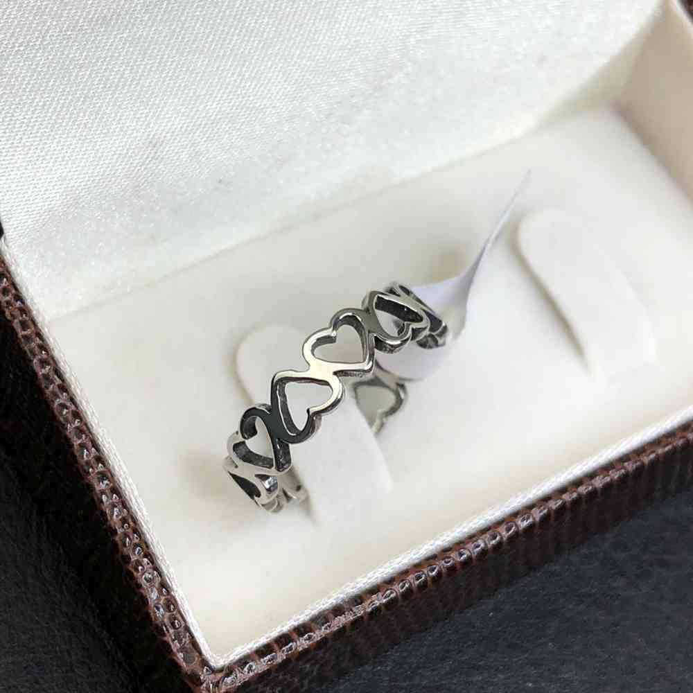anel com corações vazado feminino prata aço inoxidável