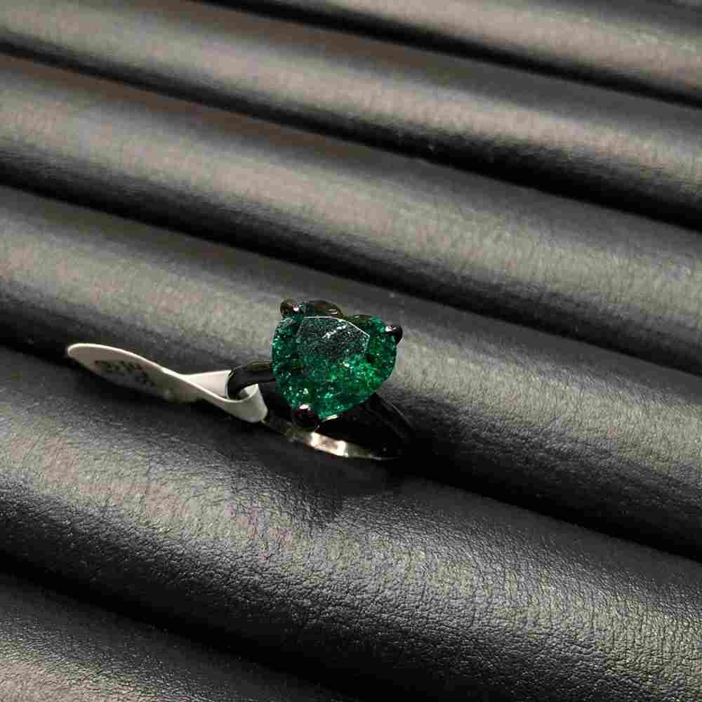 Anel de bijuteria pedra coração fusion verde esmeralda