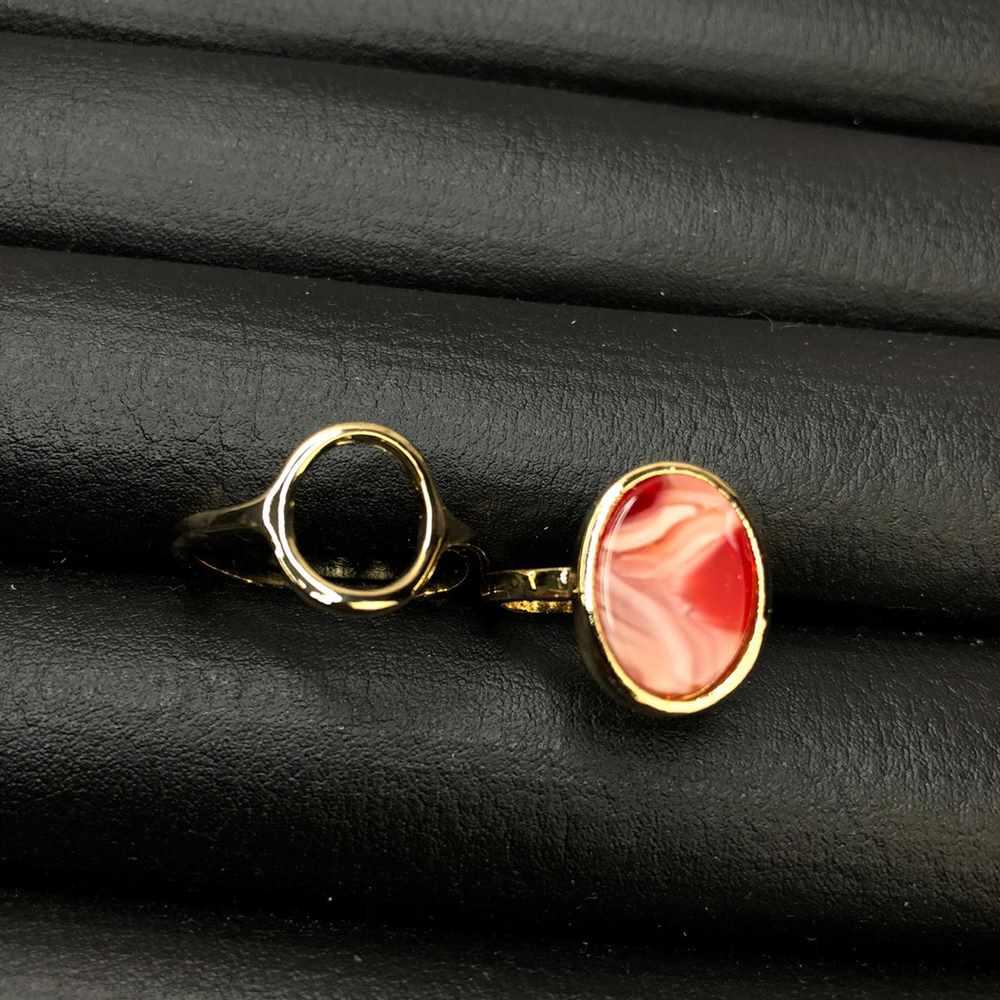 Anel de bijuteria kit com 2 unidades dourado pedra oval mesclada vermelha