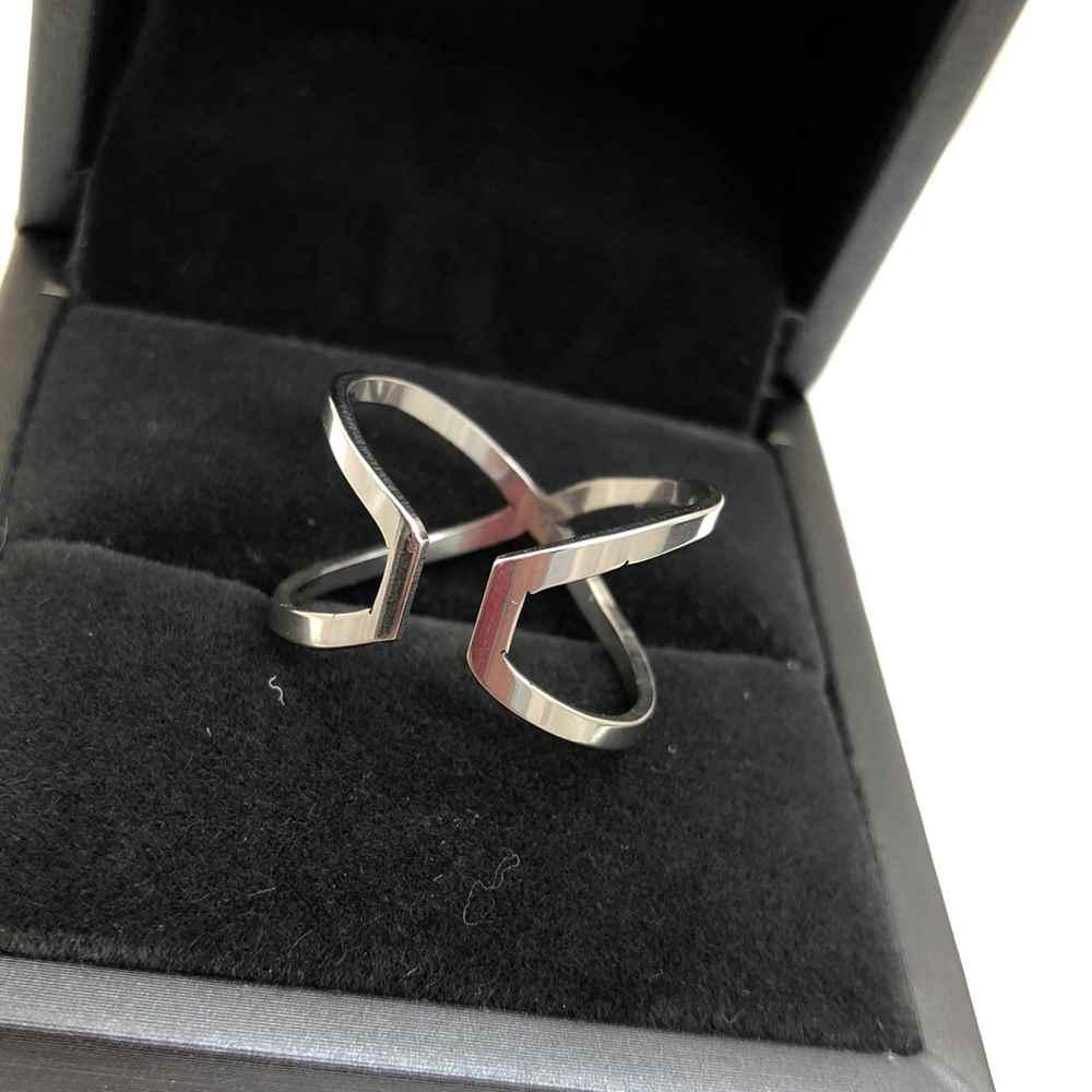 Anel feminino formato X duplo prata em aço inoxidável