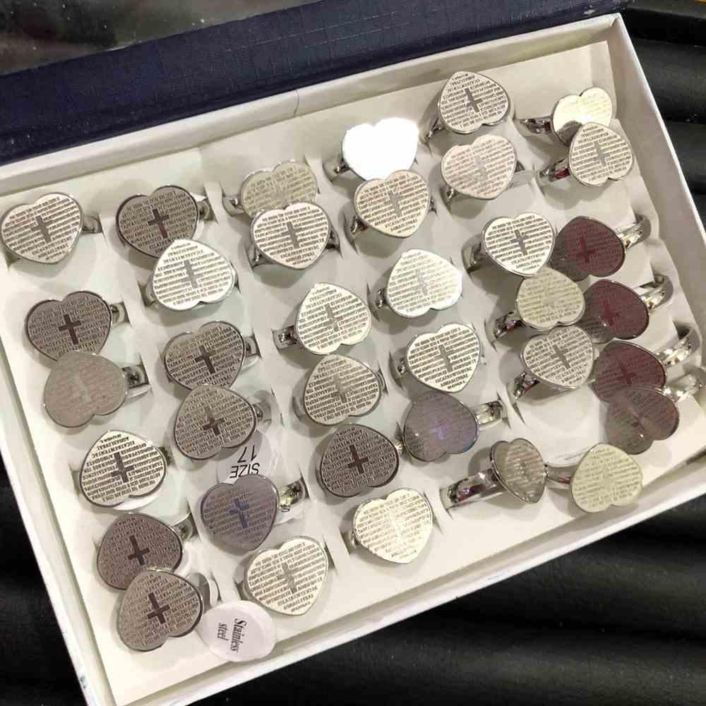 Anel feminino prata de coração com oração pai nosso aço inoxidável 316L caixa com 36 unidades