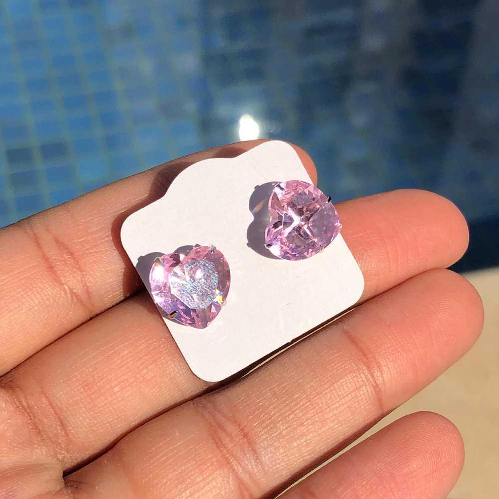 Brinco de aço inoxidável pedra de coração rosa bebê