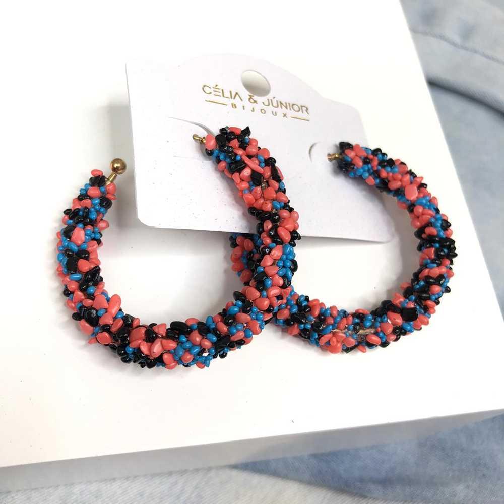 Brinco de argola estilo flocos de açúcar rosa, preto e azul