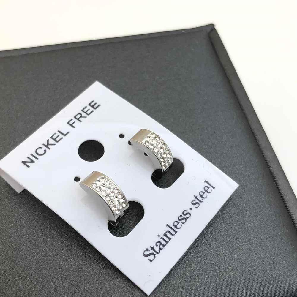 Brinco de argolinha prata cravejada strass segundo furo articulada fecho click aço inoxidável