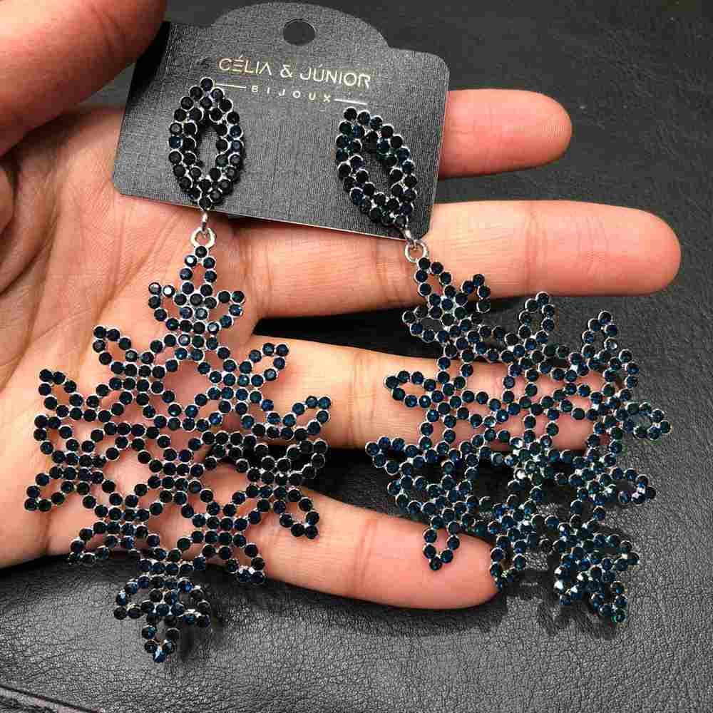 Brinco de festa prata pedrarias strass azul marinho