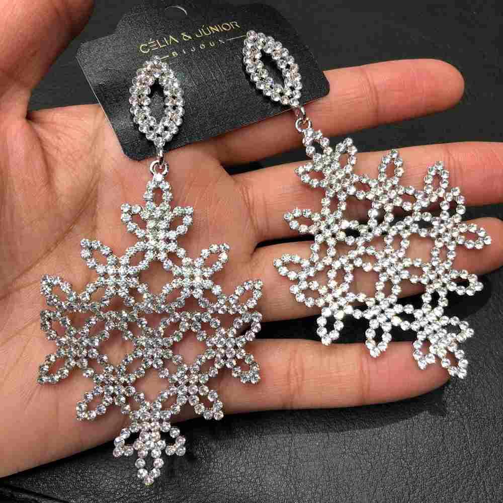 Brinco de festa prata pedrarias strass prata
