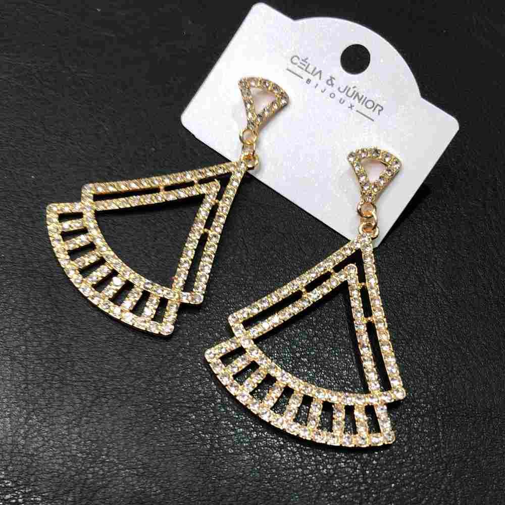 Brinco grande dourado geométrico triangulado strass prata