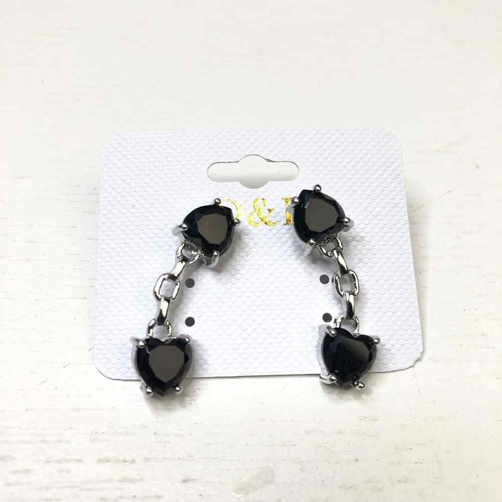 Brinco pequeno estilo ear cuff prata pedrarias coração preto