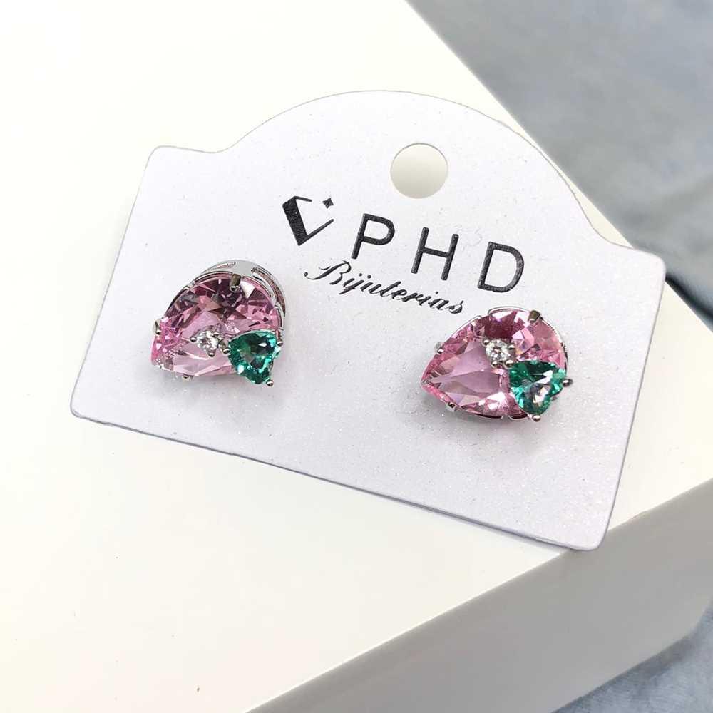Brinco pequeno gotinha dupla rosa ponto de luz coração verde esmeralda
