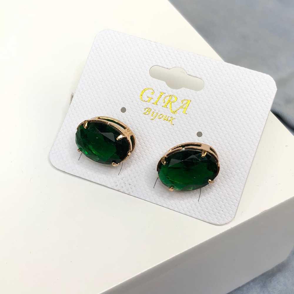 Brinco pequeno oval pedra fusion verde esmeralda