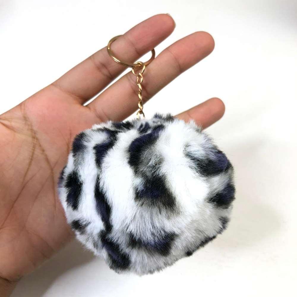 Chaveiro Pompom de Oncinha Leopard Branca